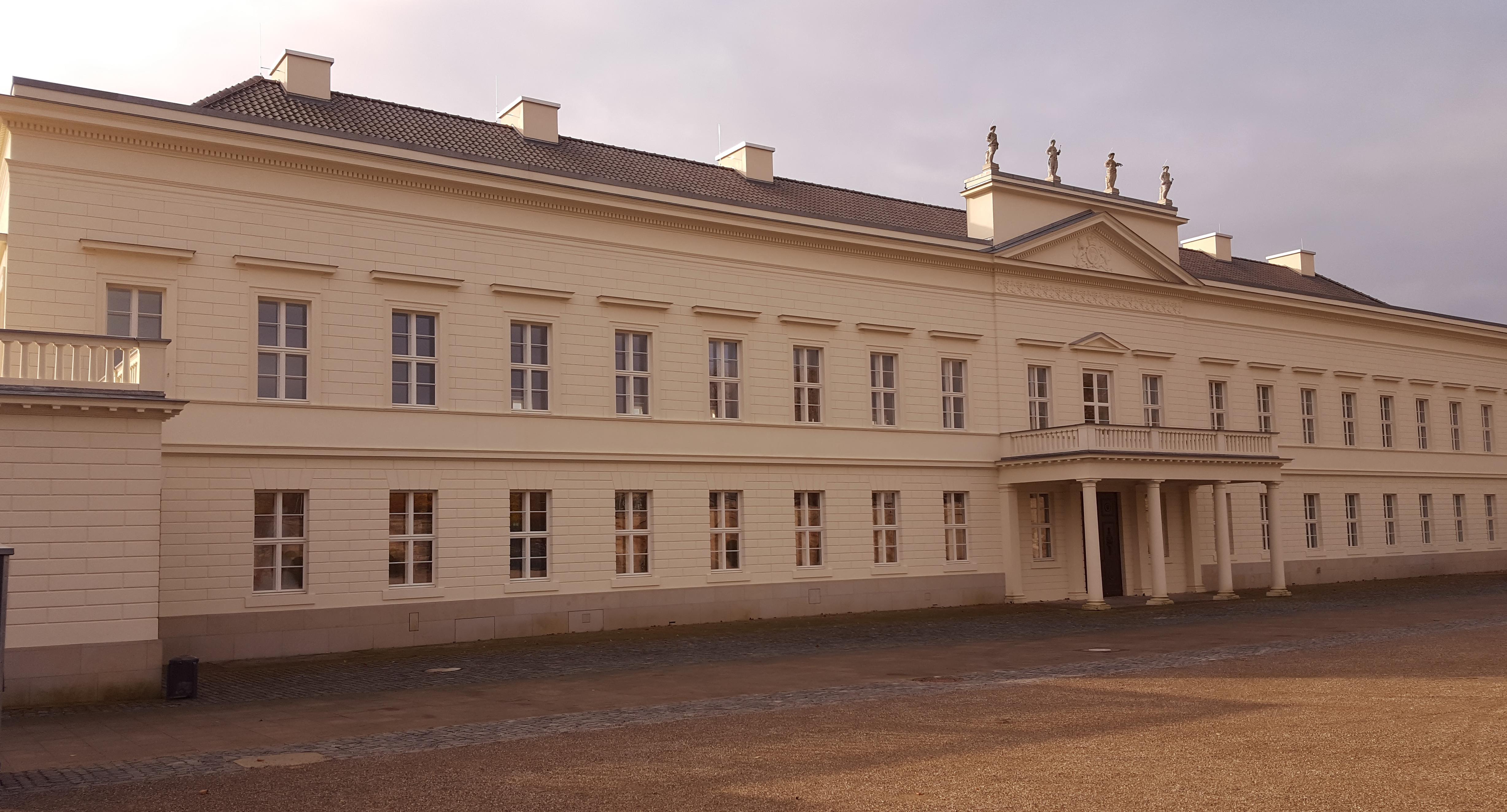 4-8 Museen, Veranstaltung und Hotels